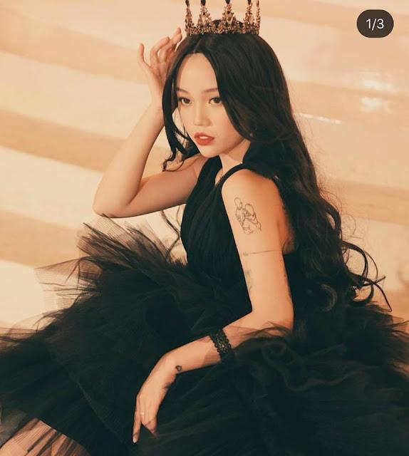 """Cô nàng streamer Linh Ngọc Đàm lại khiến fan """"bấn loạn"""" với nhan sắc mỹ nữ vi diệu của mình"""