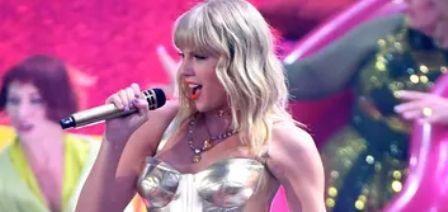 Taylor Swift mencetak Album no. 1 di U.K. dengan Lover