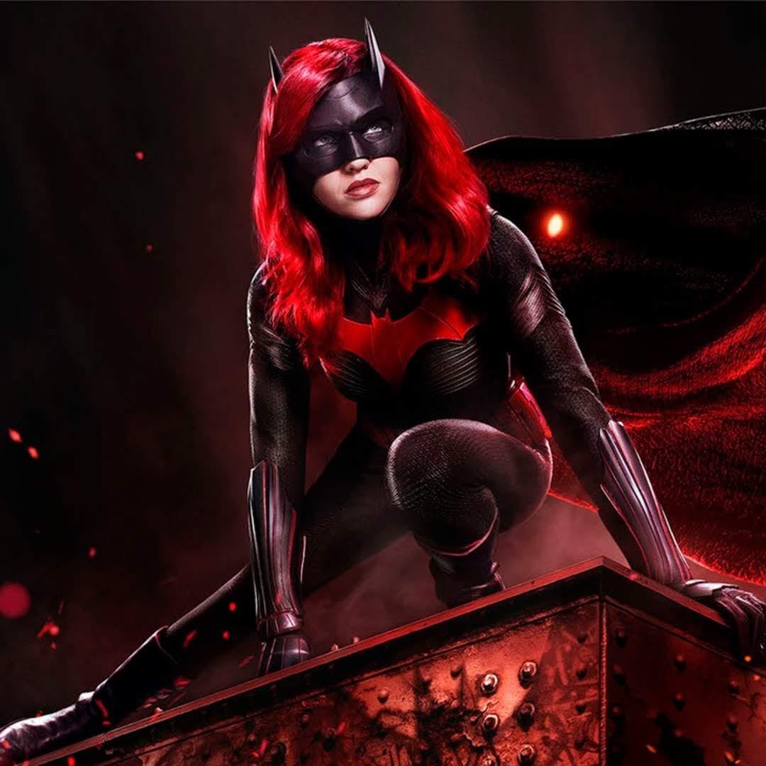 Batwoman : 謎の失踪をとげたバットマンに代わって、いとこのケイト・ケインがコスチュームを身に着ける DC コミックスのTVシリーズ「バットウーマン」の新しい予告編とポスター ! !