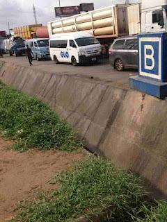 Army blocks Onitsha head bridge in Anambra state