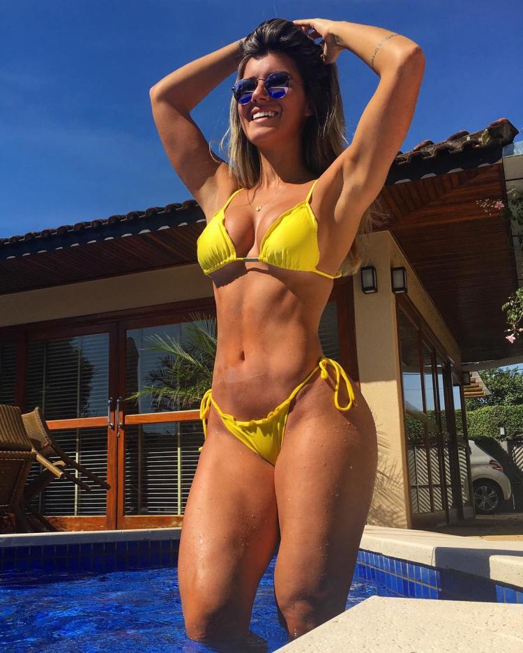Vitoria Gomes instagram