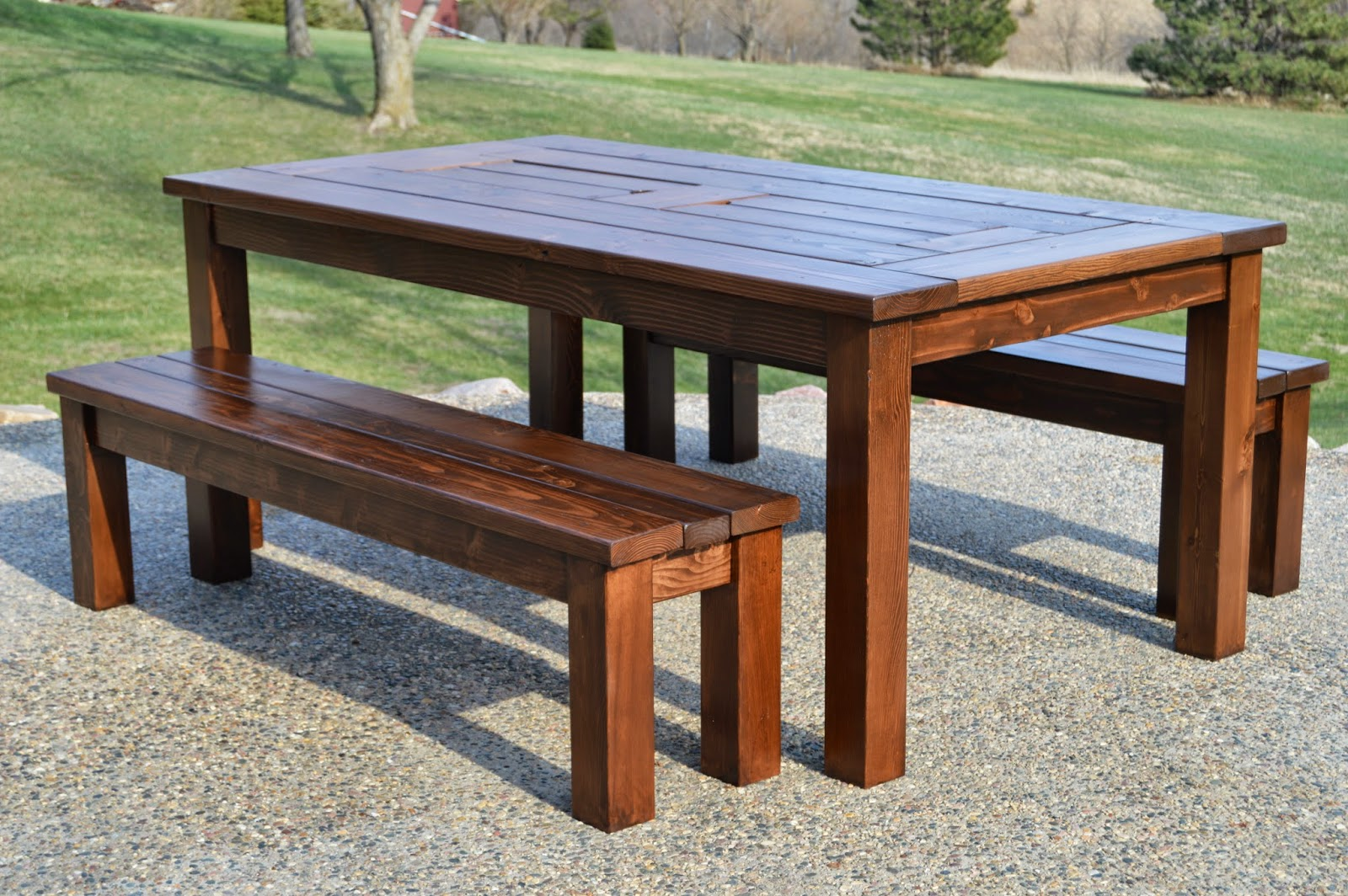 Kruse 39 s workshop simple indoor outdoor rustic bench plan for Diy garden table designs