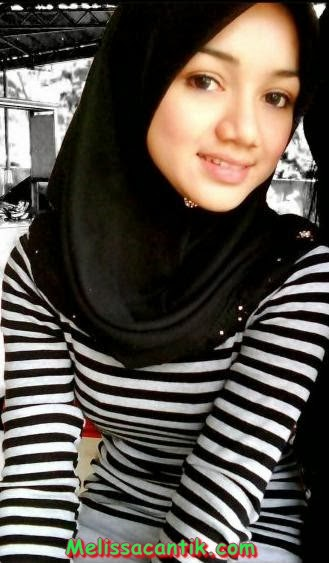Hijab foto bugil cewek