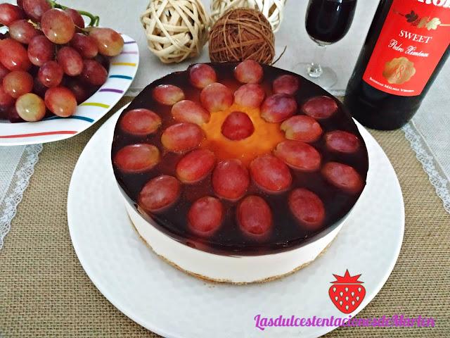 Tarta de Queso con Uvas y Vino Dulce