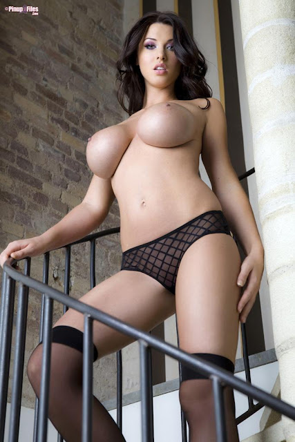Alice Goodwin naked on stairs