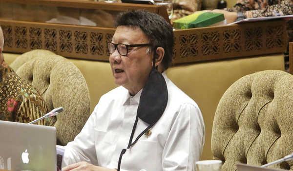 Bendera PDIP Dibakar, Tjahjo Kumolo Minta Seluruh Pengurus Partai Bergerak