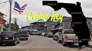 Autofahrt durch Cedar Key
