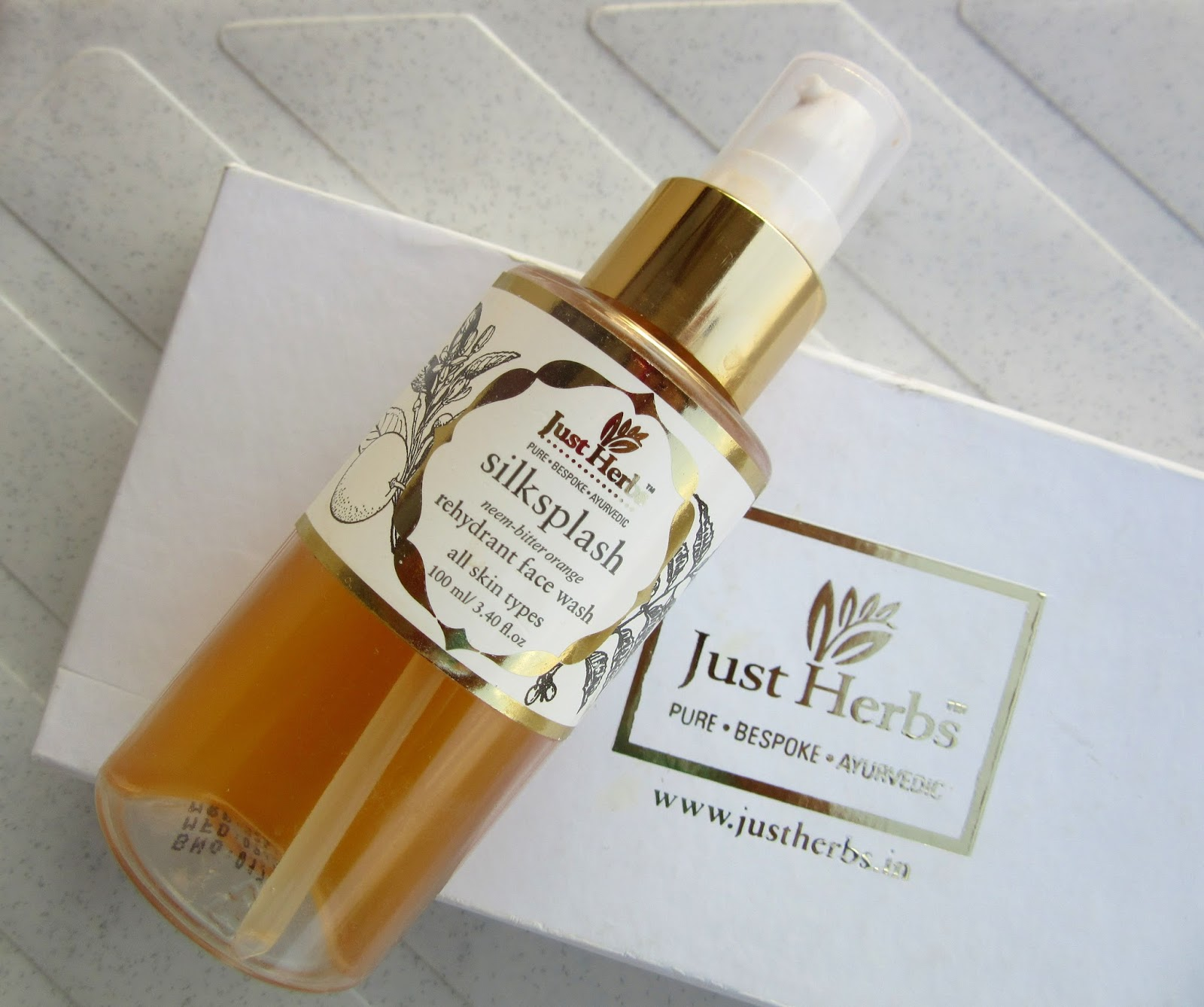 Just Herbs Silksplash Neem-Orange Rehydrant Face Wash Review