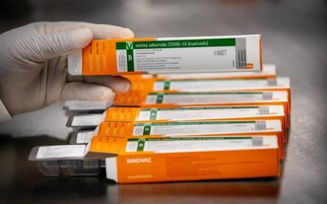 Conforme Plano SP, profissionais de saúde da linha de frente receberão as primeiras doses de vacina na região