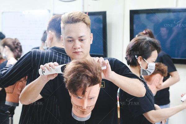 Học cắt tóc nam bao lâu ra nghề