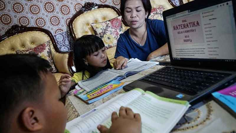 Langkah Mudah Dampingi Anak Belajar di Rumah Agar Terhindar dari Stres