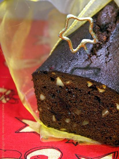 keks czekoladowy z orzechami i marcepanem