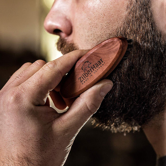 Pocket Boar Bristle Beard Brush