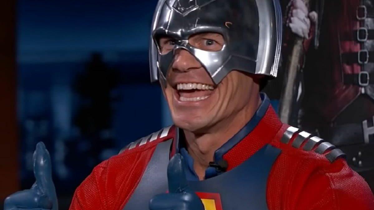 """'Pacificador': James Gunn """"mostra"""" o visual do Vigilante na série"""