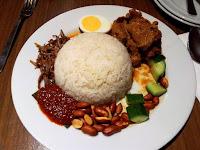 Nasi Lemak Melayu Khas Kepulauan Riau
