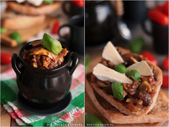 potrawy z leśnych grzybów, dania z grzybami, grzanki i tosty z duszonymi grzybami, daylicooking