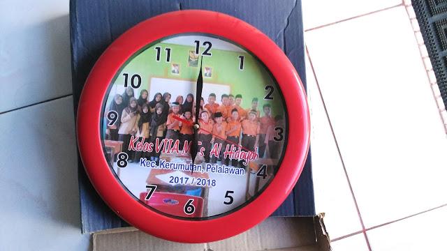 Jam Dinding Kelas Pelalawan