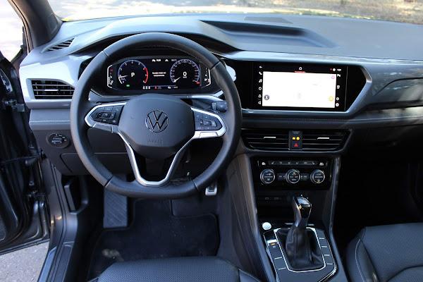 Volkswagen Taos 2022 Highline - painel