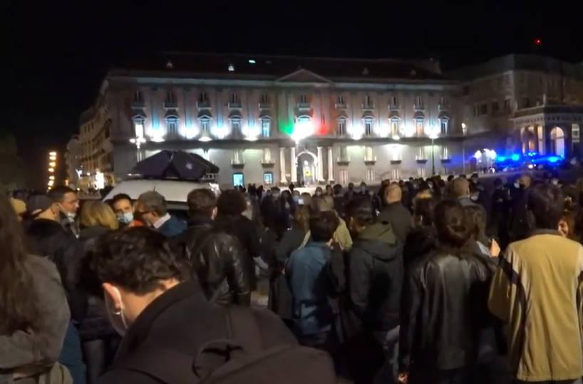 Commercianti in piazza contro lockdown