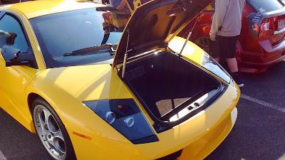 Yellow Lamborghini Gallardo Trunk