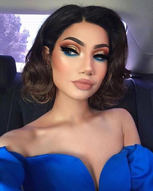 maquillaje de ojos azul y dorado de noche