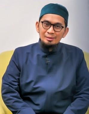 Ustad Adi Hidayat : 5 Tanda Shalat Seseorang diterima Allah | PikiranSaja.com