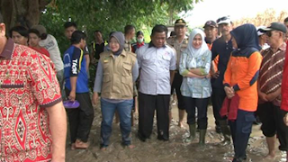 Indah Turun Langsung Pantau Banjir
