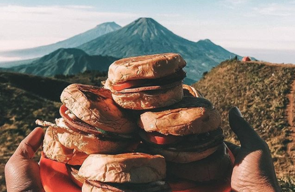 5 Makanan Wajib Untuk Mendaki Gunung