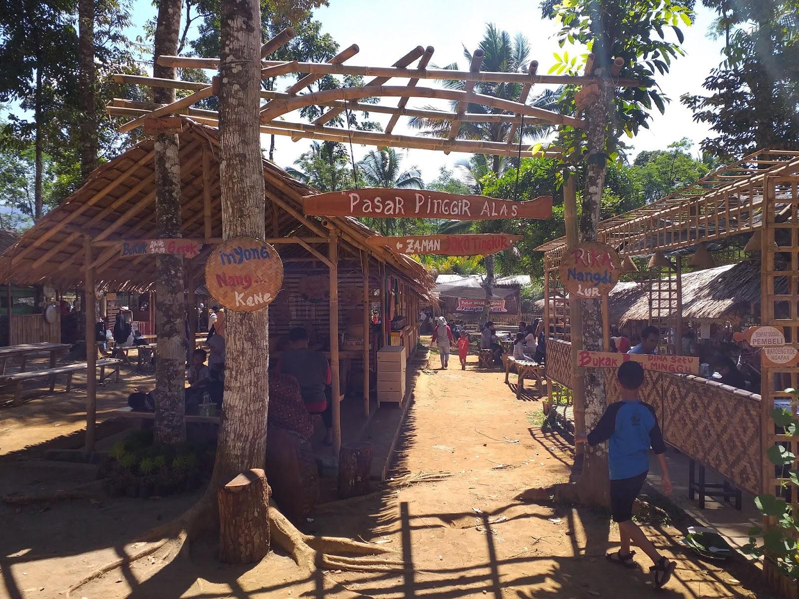 Pasar Pinggir Alas Wisata Kuliner Baru Di Baturaden Lpm