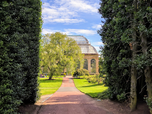 Summer in Edinburgh: Explore the Rotal Botanic Garden Edinburgh