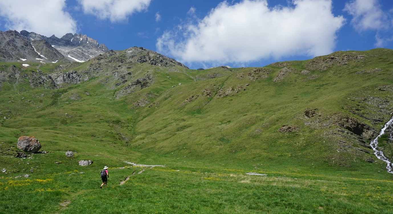 Leaving GR58 to Col des Marsailles