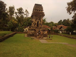 Suasana Candi Kidal, Tumpang, Malang