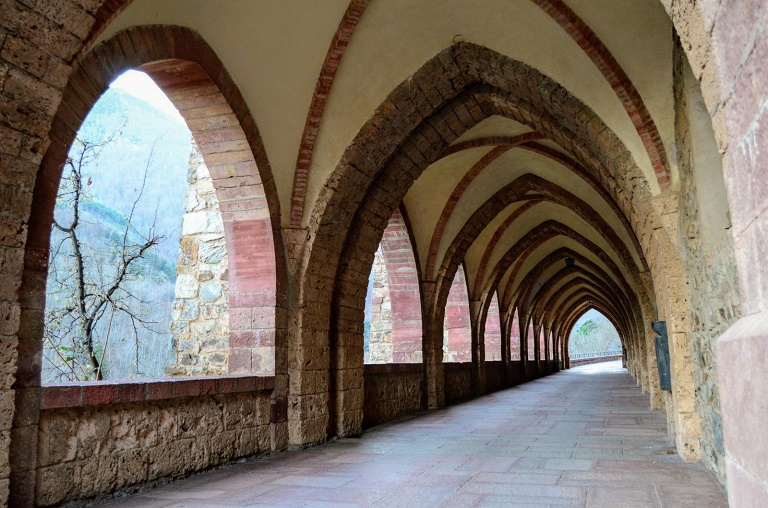 que-ver-la-rioja-monasterio-valvanera