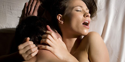 Những tư thế quan hệ cực sướng cho các cặp vợ chồng mới cưới