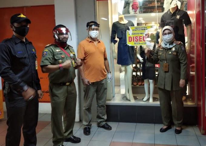 Puluhan Personil Satpol PP Dikerahkan Jaga Mall di Depok