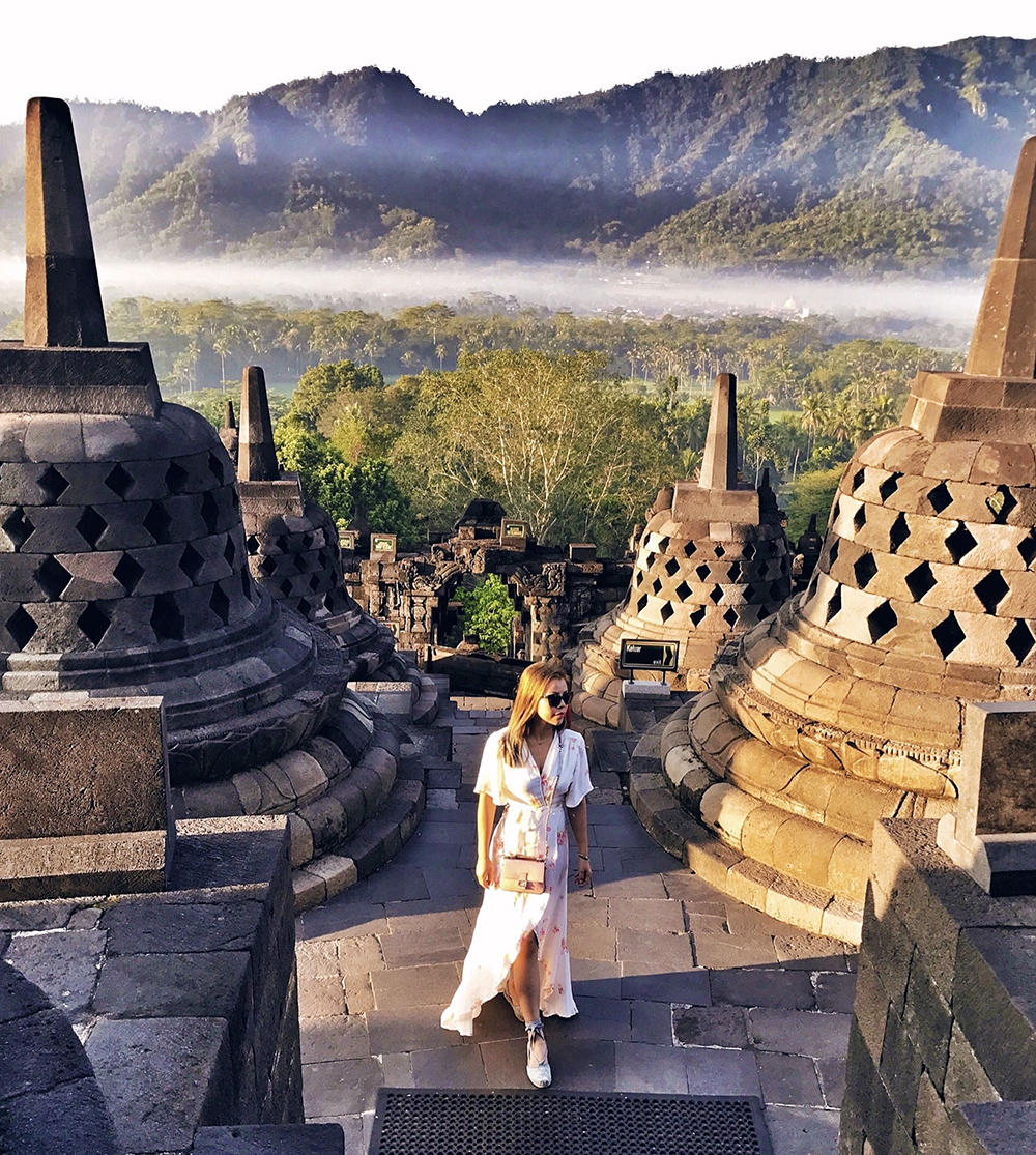 Crystal Phuong- What to do in Yogyakarta- Sunrise in Borobudur temple
