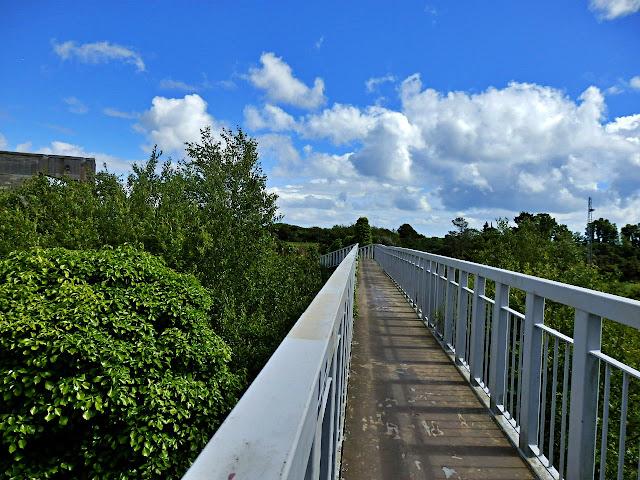 Footbridge on way to Spit Beach, Cornwall