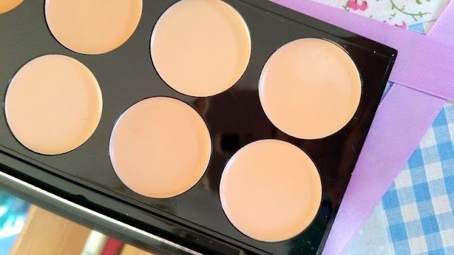 Beauty | Makeup Revolution - Conceal & Blush Palettes