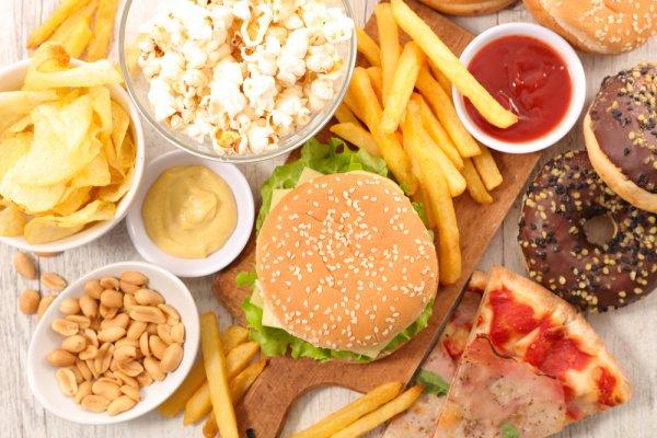 Tips Sehat Mengonsumsi Sosis dan Makanan Olahan Lain