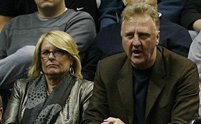 Dinah Mattingly with her husband Larry watching the match
