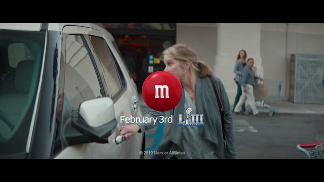 M&M s Super Bowl LIII Commercial has Christina Applegate Dealing with a Few  Bad Passengers