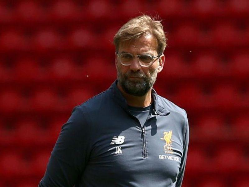 c02c60918e Neville menyarankan hal itu setelah melihat cara bermain Liverpool di bawah  asuhan Klopp. Seperti diketahui