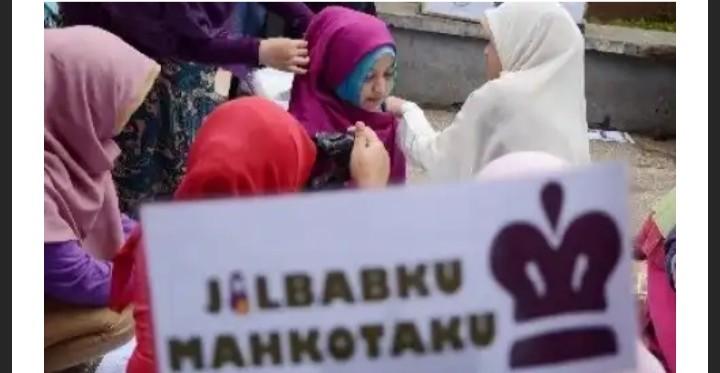 Doktor Bidang Ilmu Al-Qur'an Berikan Tanggapan Cerdas dan Telak Atas Wacana Jilbab Tidak Wajib
