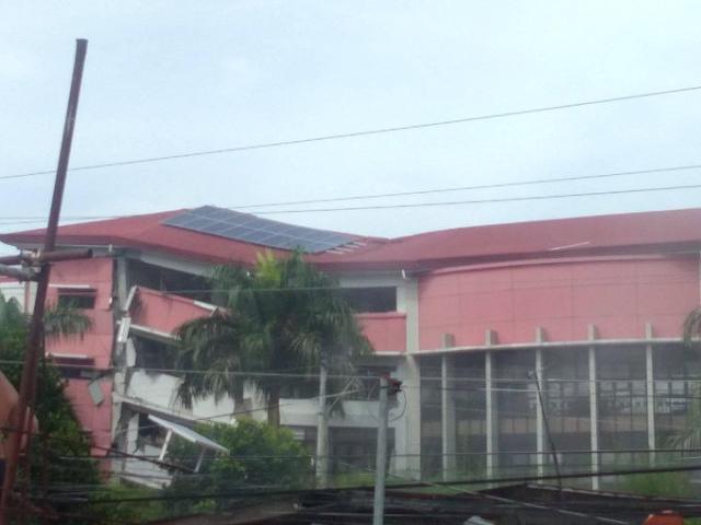 cor_jesu_college_earthquake_damage_photo