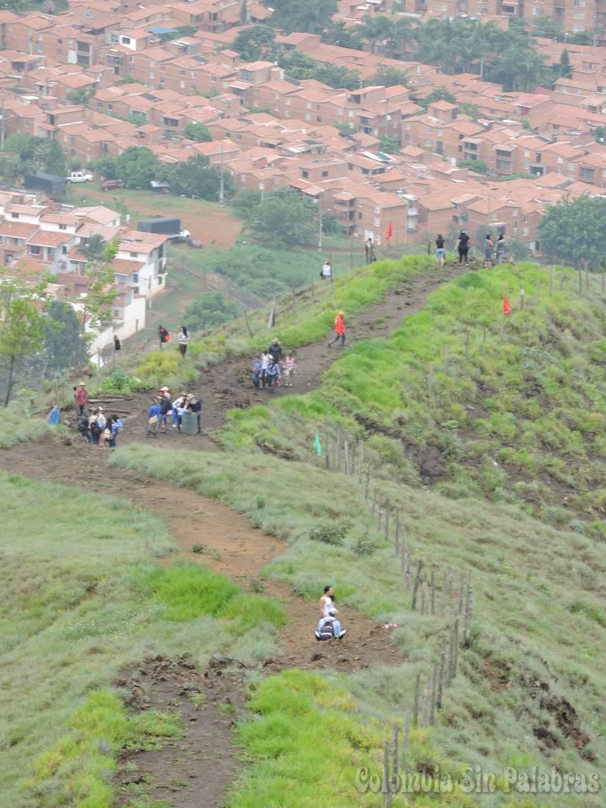 caminantes en el cerro quitasol