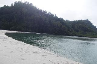Objek Wisata Pantai Sikabau Pasaman Barat Sumatera Barat (Sumbar)