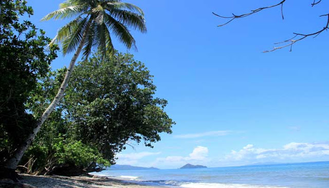 Pantai Wamsoba