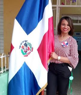 Maestra Anny Martínez: dice La educación es una carrera de amor y labor social