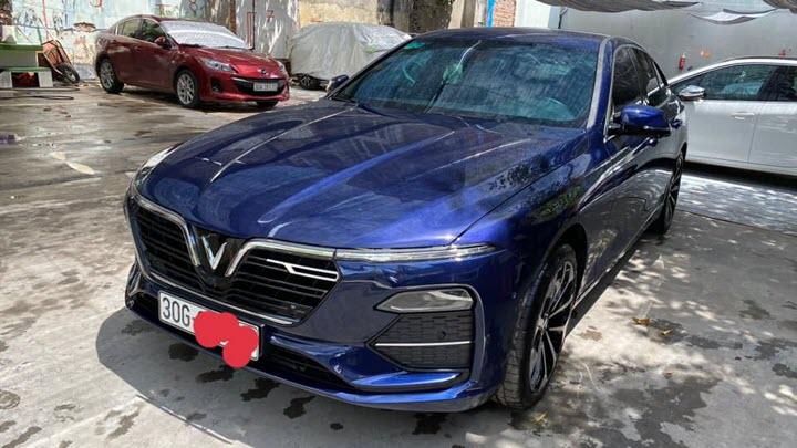 VinFast Lux A2.0 bán lại giá hơn 1 tỷ đồng sau 5.000km, chủ nhân là đại gia 'thay xe như thay áo'