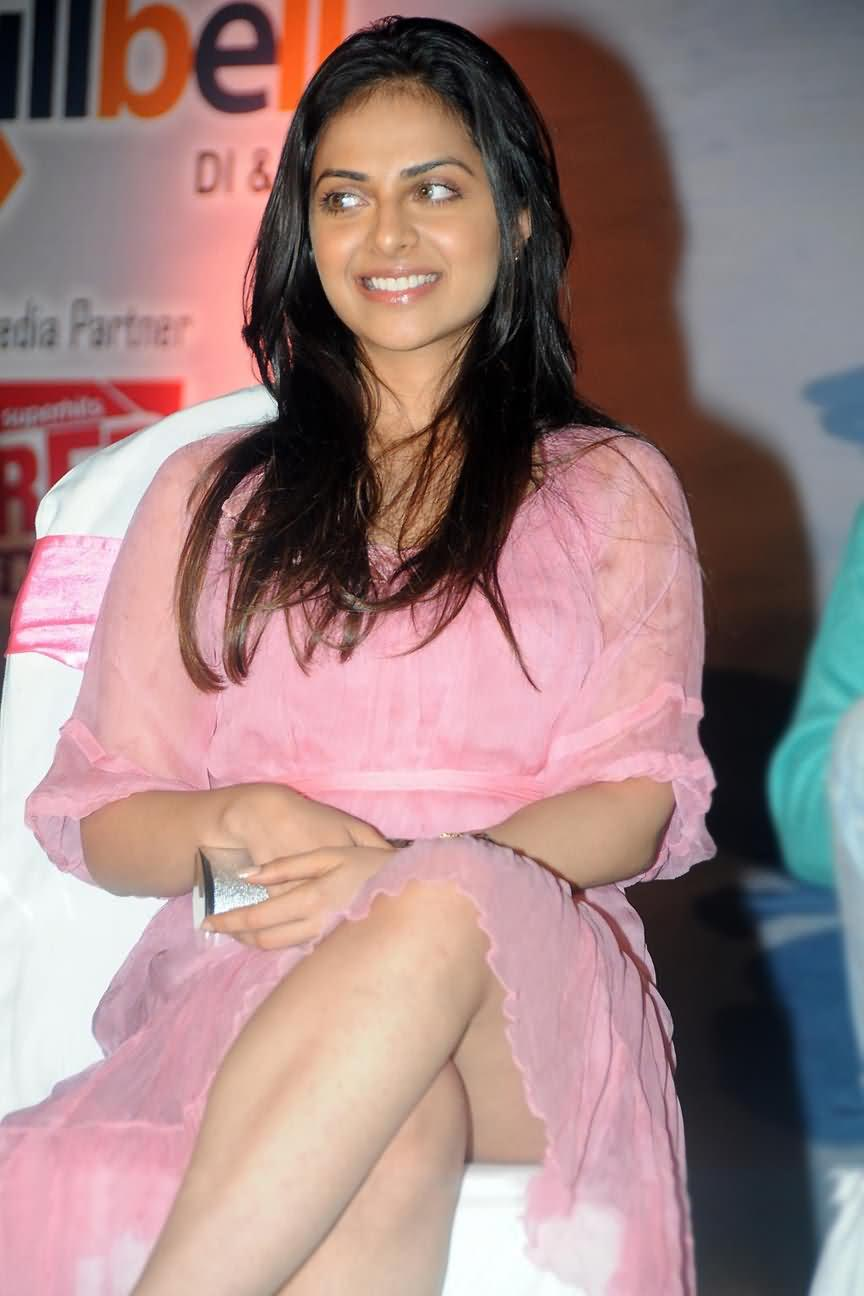 Richa Pallod Latest Thigh Show Photos